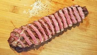 edles-fleisch-rezepte-paul-cooks-bison-roastbeef-tranchieren