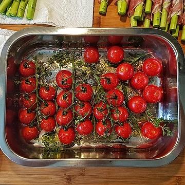 edles-fleisch-rezepte-paul-cooks-rinderfilet-aromatisierte-tomaten-zubereitung